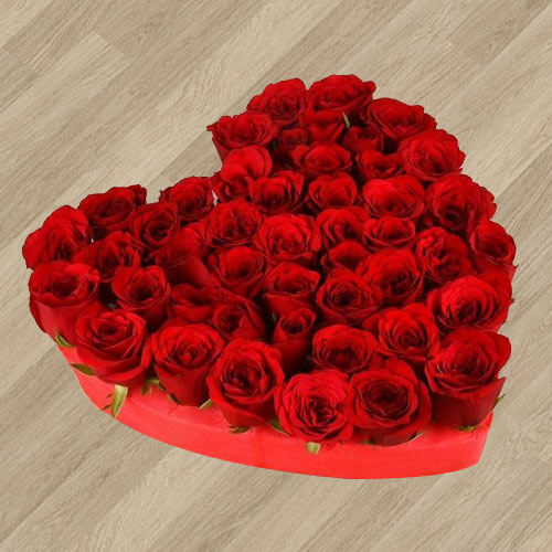 Enchanting Endless Love Arrangement of 101 Fresh Red Roses in Heart Shape