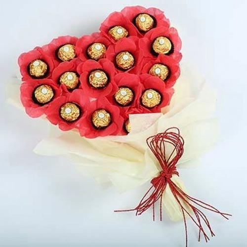 Remarkable Bouquet of 16 pcs Ferrero Rocher Chocolate