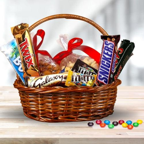 Delectable Dry Fruits n Imported Chocolates Gift Hamper