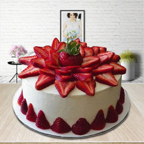 Lip Smacking Strawberry Cake
