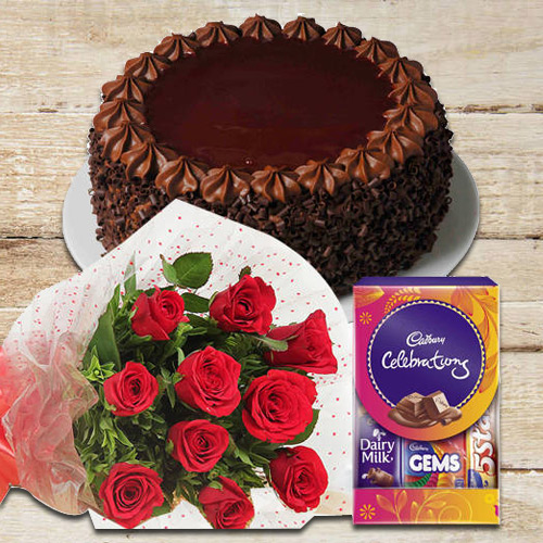 Shop Online Red Roses Bunch with Cake N Chocolate Pack