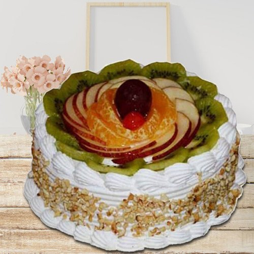 Delightful Pampering 1 Kg Fresh Fruit Cake