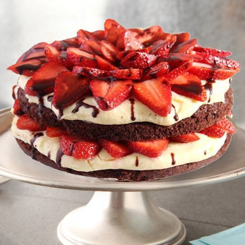 Appetizing  2 Kg Strawberry Cake from 3/4 Star Bakery