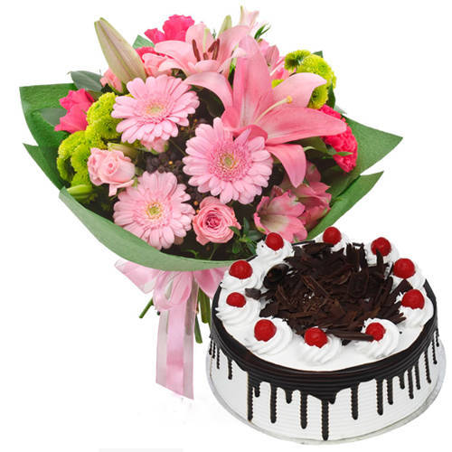 Elegant Combo of Mixed Flowers Bunch with Black Forest Cake