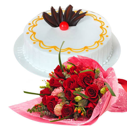 Deliver Combo Gift of Red Roses Bouquet N Vanilla Cake Online