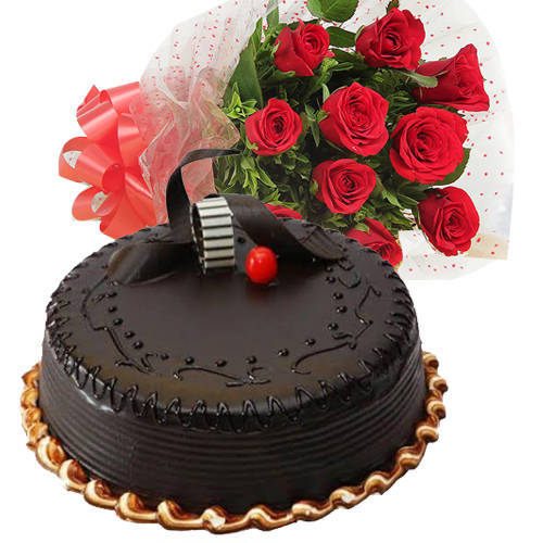 Delicious Chocolate Truffle  Cake with Red Roses Bunch