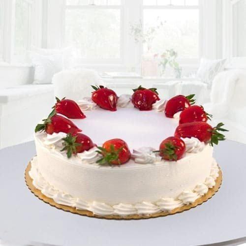 Enjoyable Eggless Strawberry Cake for Mom