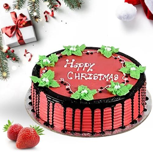 Mouth-Watering Strawberry Cake for X-Mas