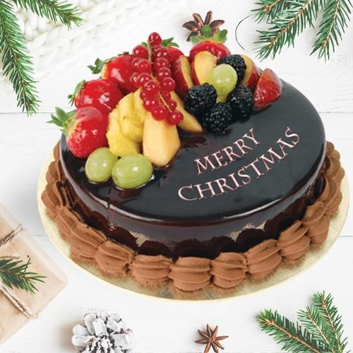 Delectable Fresh Fruits Cake