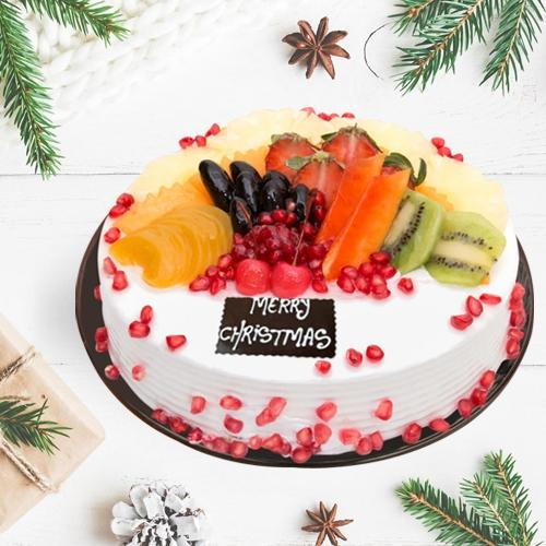 Delicious Fresh Fruits Cake