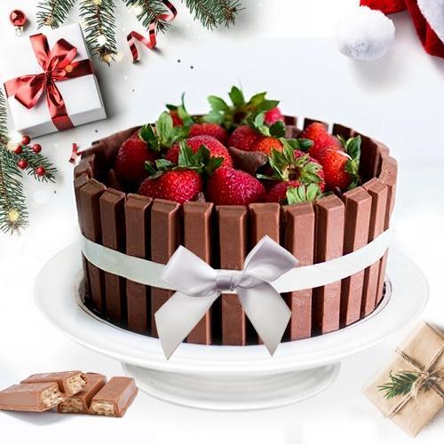 Lavish X-Mas Gift of KitKat Strawberry Cake