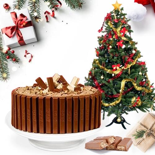 Delicious Kitkat Cake with Christmas Decor Tree