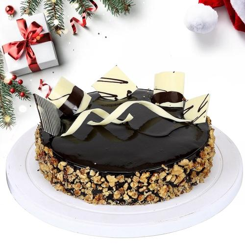 Appetizing Merry X-mas Walnut Cake