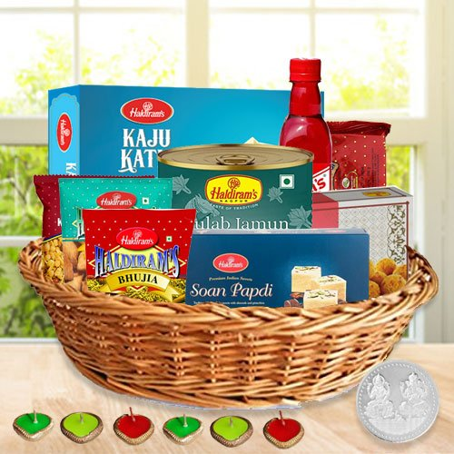 Mouthwatering Diwali Hamper with Taste of Love