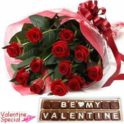 Pleasurable Valentine Gift of Red Roses Bouquet with Hand Made Chocolates