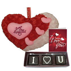Eye-Catching Love Hamper
