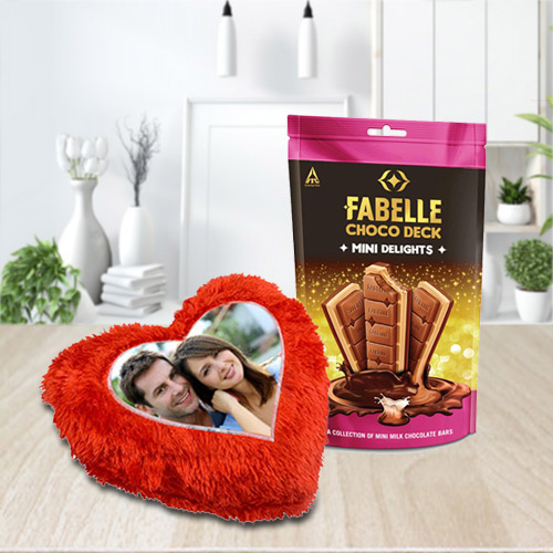 Online ITC Fabelle Mini Delight Chocolate with Personalized Cushion