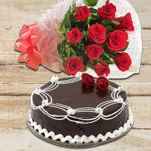Blossoming 10 Red Roses with 1/2 Kg Chocolate Cake