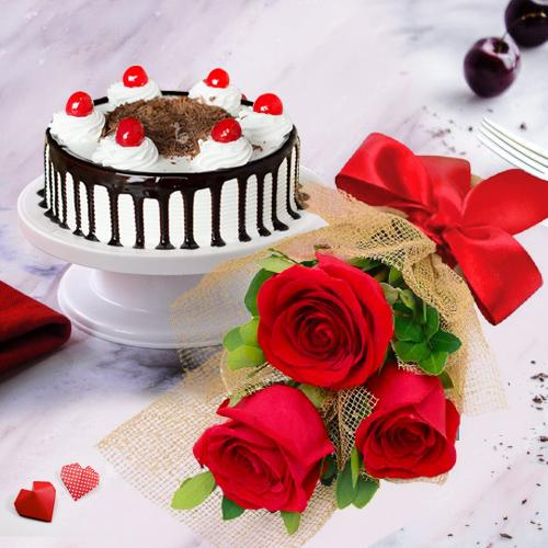Book Red Roses Bunch with Black Forest Cake Online