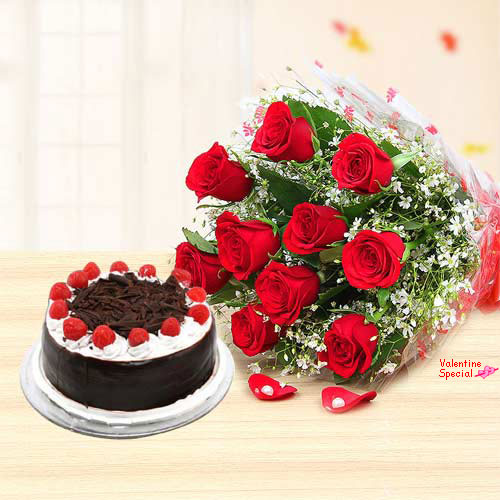 Online Bouquet of Red Roses N Black Forest Cake for V-Day