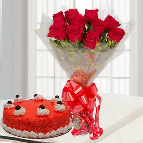 Send Online Red Roses Bouquet with Red Velvet Cake