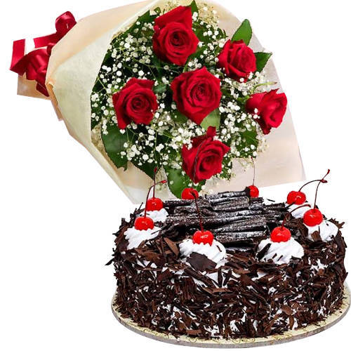 Online Combo of Black Forest Cake N Red Roses Bouquet