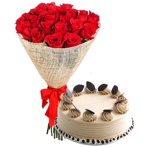 Buy Online Red Roses Arrangement with Coffee Cake