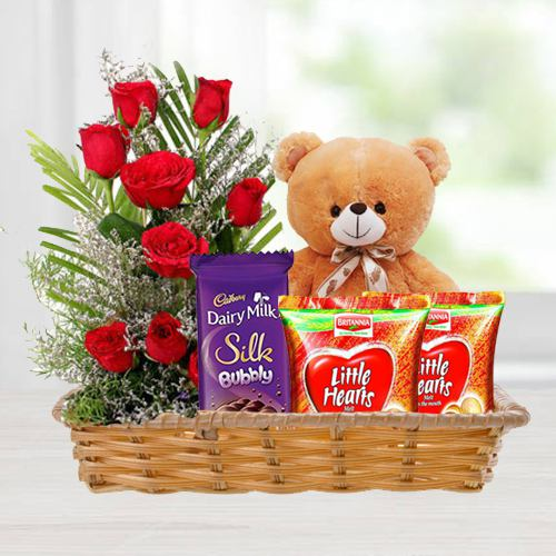 Gift Basket of Love Gifts N Red Roses