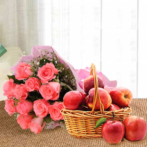 Buy Pink Roses Bouquet With Apples in Basket