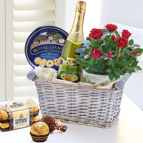 Online Gourmet Gift Basket with Red Rose Bouquet
