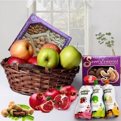 Mothers Day special Hamper of Fruits N Dry Fruits