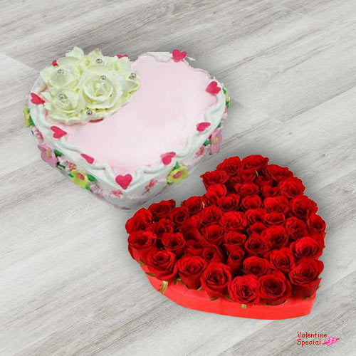 Book Red Roses in Heart Shape N Love Cake Online