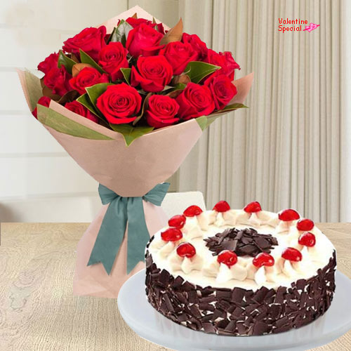 Buy Online Red Roses Bouquet with 5 Star Bakery Cake