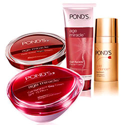 Online Ponds Age Miracle Gift Hamper for Women