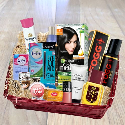 Send Exclusive Grooming Gift Hamper