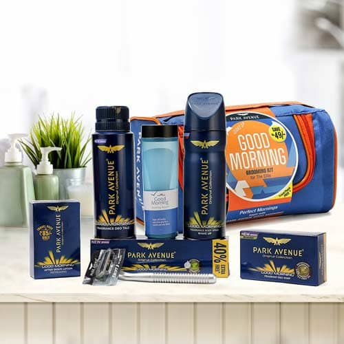 Charming Look with Park Avenue Mens Grooming Kit