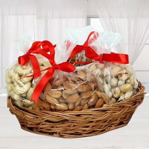 Mesmerizing Gift Basket Full of Mix Dry Fruits