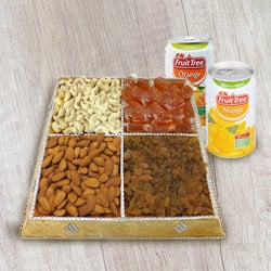 Foodie�s Bliss Dry Fruit and Beverage Combo