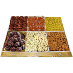 Palate's Invite Dry Fruits and Chocolate Assortment