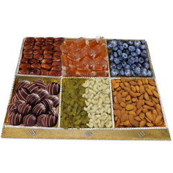 Embellished Coffee-Table Dry Fruit and Chocolate Platter
