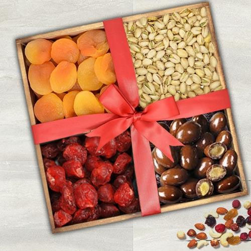 Delectable Dry Fruits Gift Tray for Mothers Day