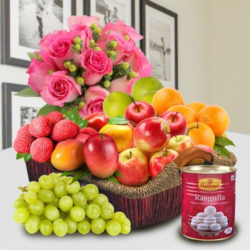 Mothers Day special Basket Hamper of Fresh Fruits, Haldiram Rasgulla and Pink Rose Bouquet