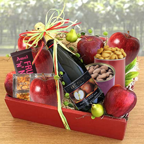 Remarkable Tray of Fresh Fruits n Assortments