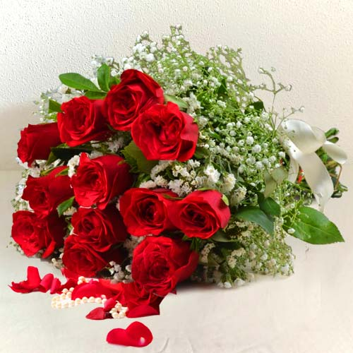 Pretty Red Roses Bunch