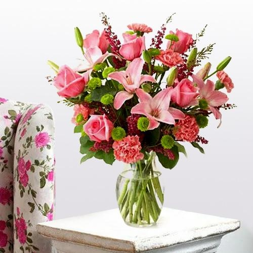 Royal arrangement of Lilies, Roses and Carnations