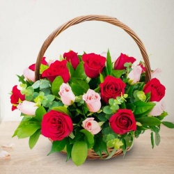 Breathtaking 18 Red and Pink Roses with Happiness