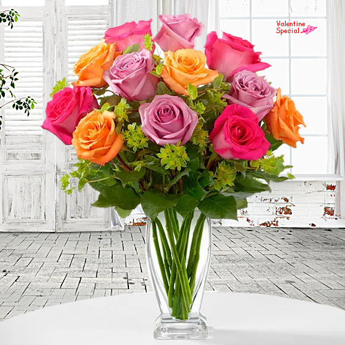 Book Mixed Roses in a Vase for V-Day