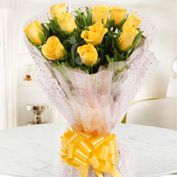 Stunning True Love 10 Yellow Roses Bouquet