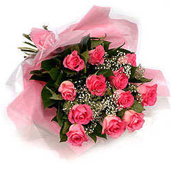 Seasonal Cheer Pink Roses Bunch