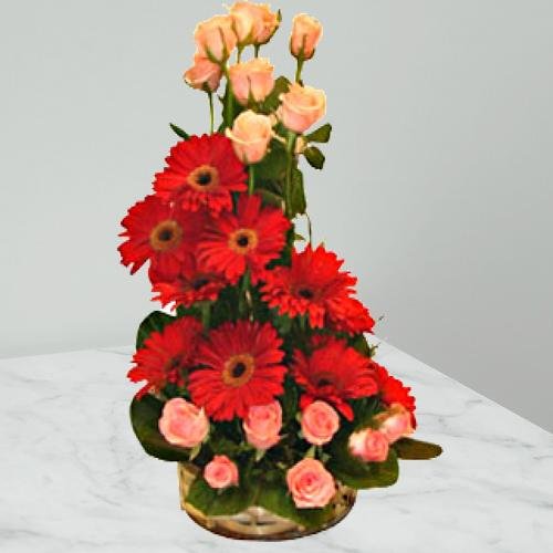 Booming Fondness Rose and Gerbera Special Arrangement